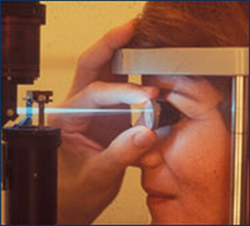 ptient-undergoing-laser-treatment-of-glaucoma_9